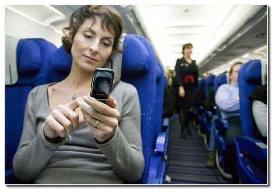 отключите_телефон_в_самолете_otklyuchite_telefon_v_samolete