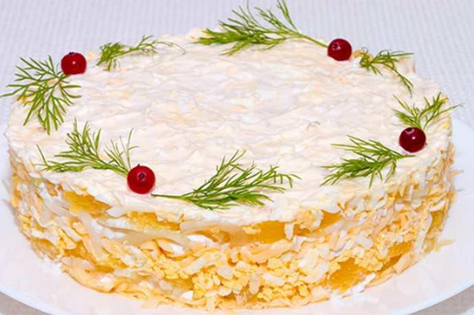 Салат гурман с сыром и апельсинам