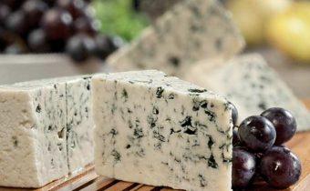 Голубой сыр с плесенью