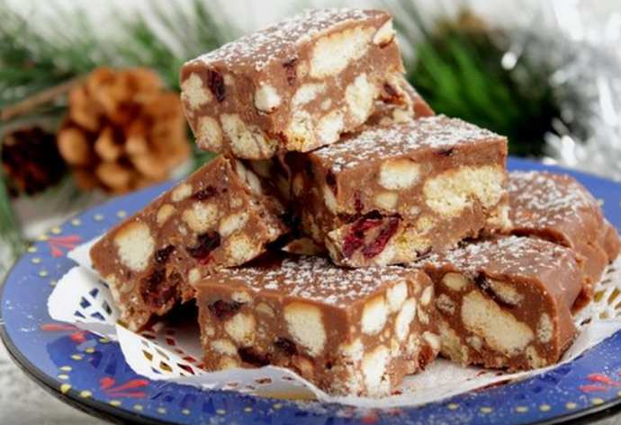 шоколадный фадж с печеньем