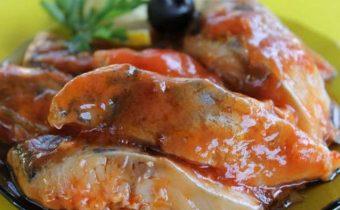 маринованная рыба с томатным соусом