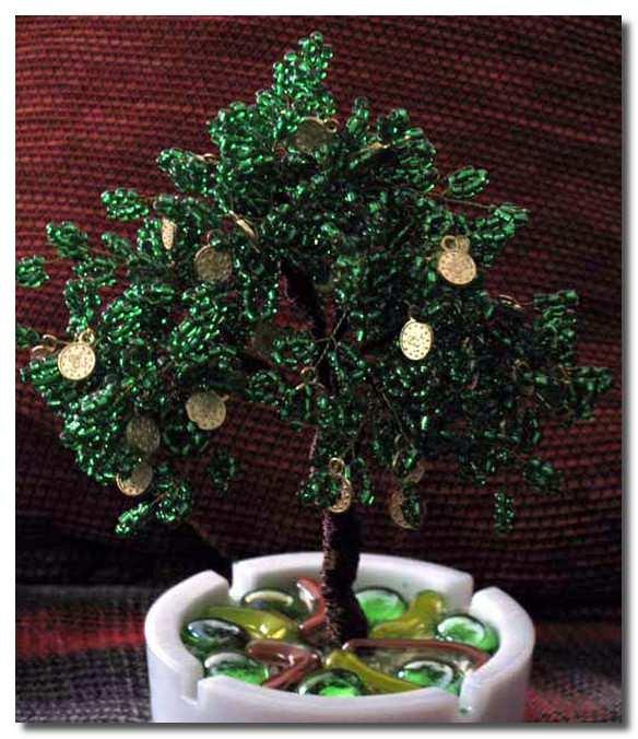 Денежное дерево из монет своими руками из бисера 49