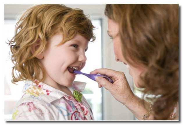 приучаем_ребенка_чистить_зубы_priuchaem_rebenka_chistit_zuby
