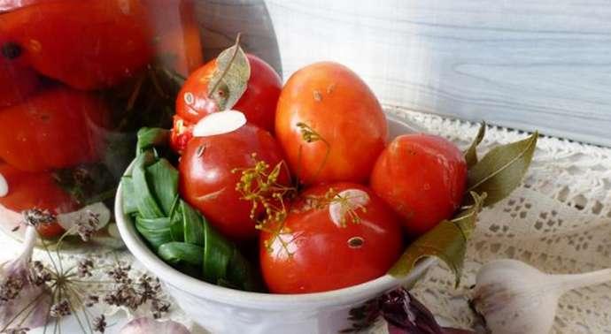 Рецепт приготовления малосольных помидоров