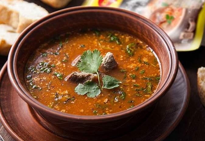 суп харчо с говядиной в казане